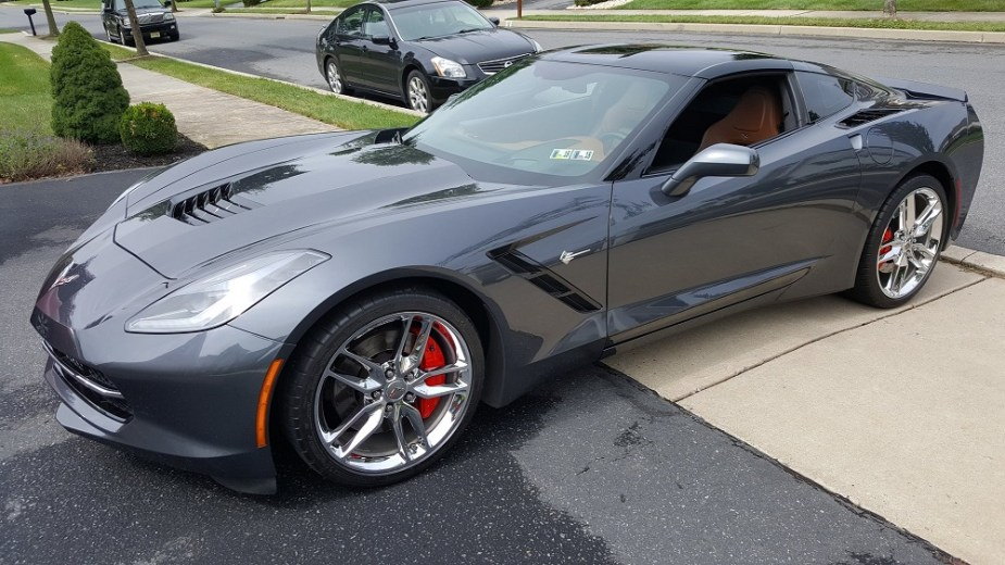 Does This C7 Corvette Look Better with Chrome or Black Wheels?