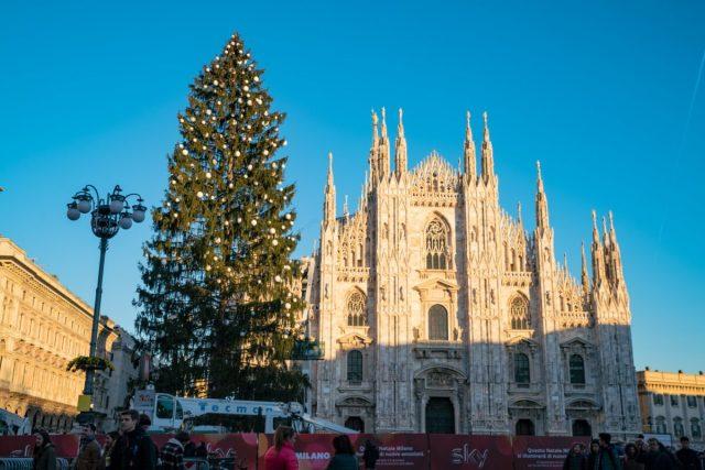 Cerimonia di accensione Albero di Natale in piazza Duomo Milano