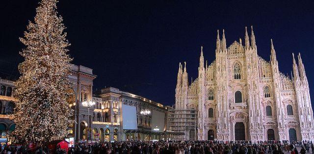 800px-Duomo_Milano_Natale