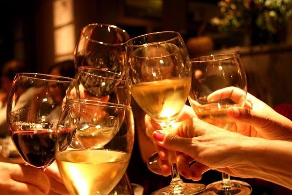 OPEN WINE abbinato ad un Buffet di qualità