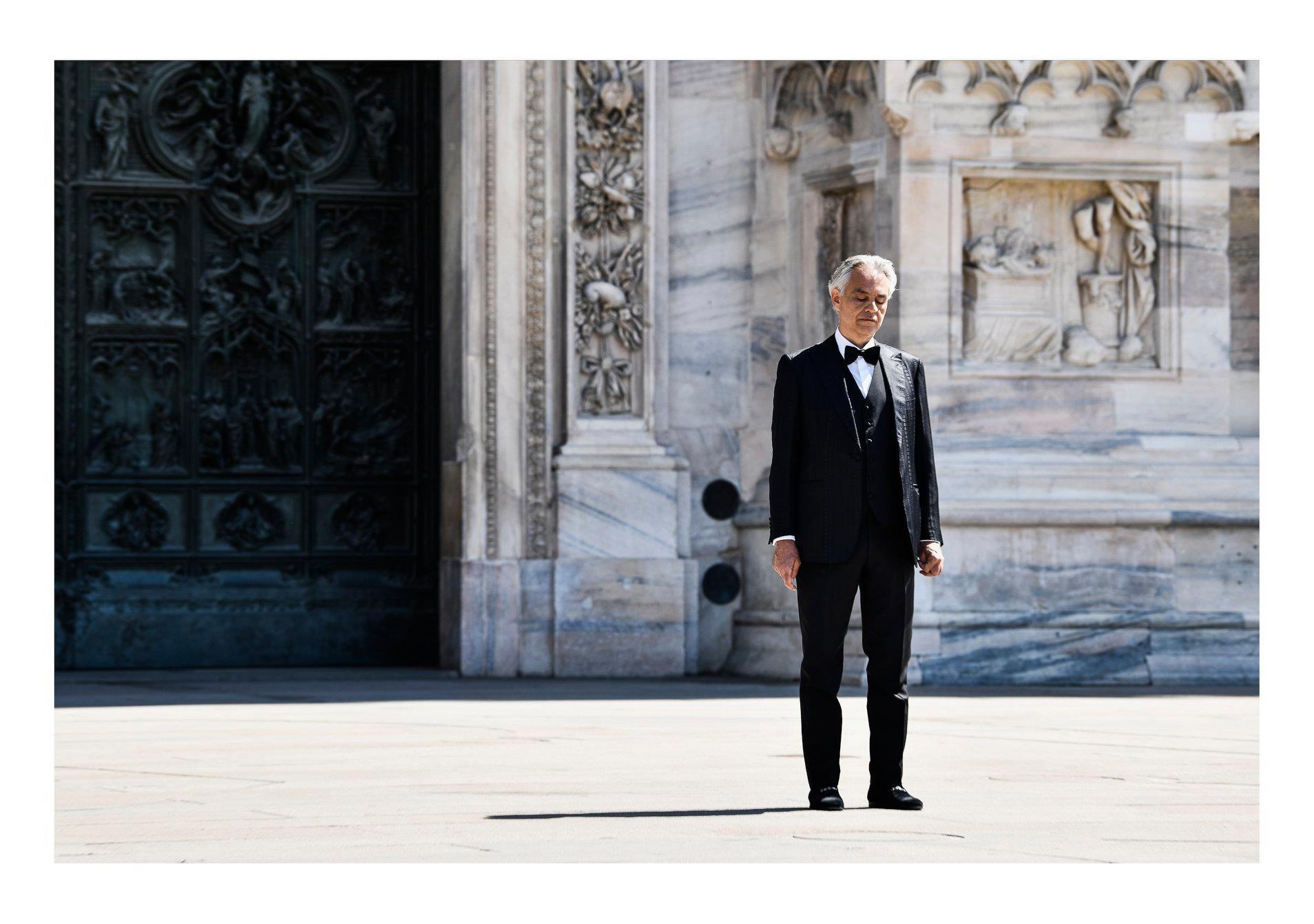 """Andrea Bocelli – Durante il concerto """"Music for Hope"""""""