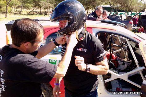 Herrero se dio el gusto de subirse al Etios de rally