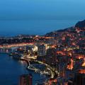 Vista-notturna-Principato-di-Monaco