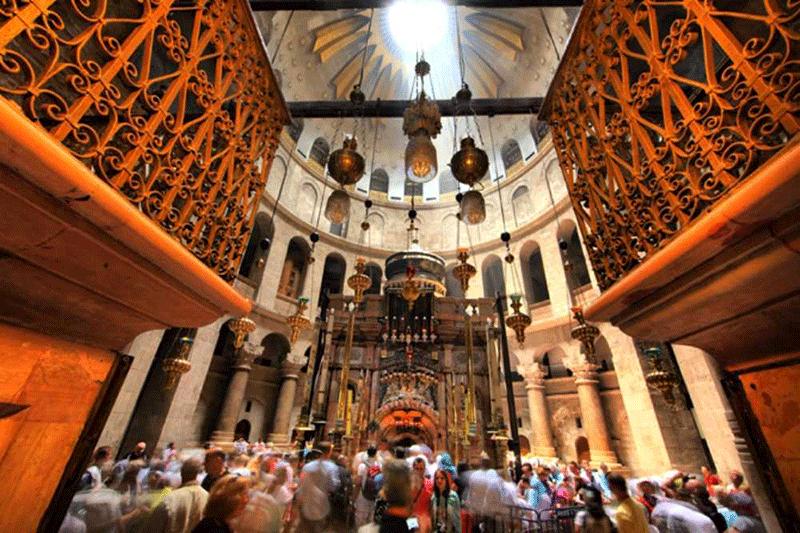 riapre-la-basilica-del-santo-sepolcro-a-gerusalemme
