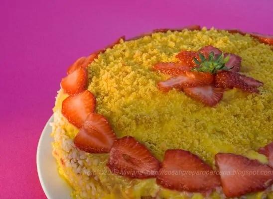 torta mimosa con fragole