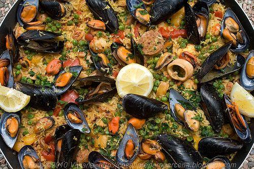La Paella mista con carne e pesce