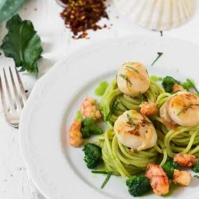 spaghetti alla chitarra con broccoletti e gamberi