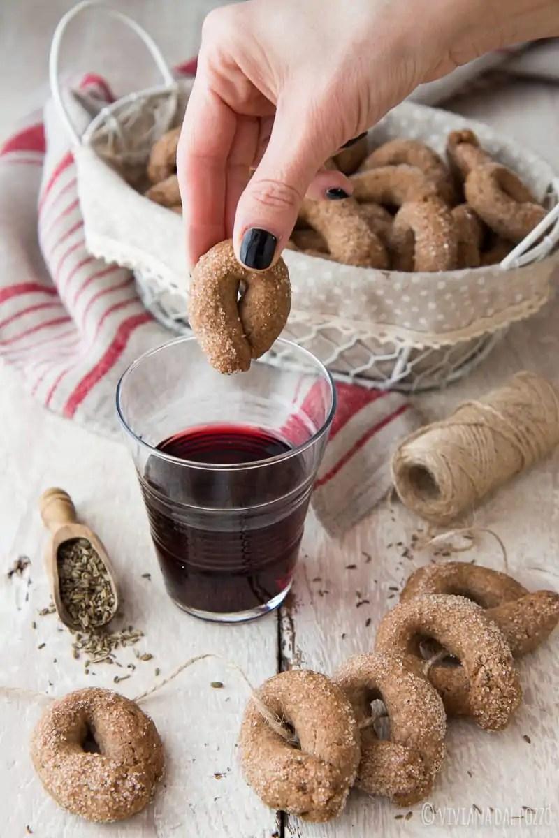 Taralli al vino rosso