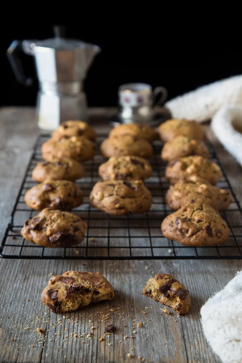 cookies americani con cioccolato e nocciole