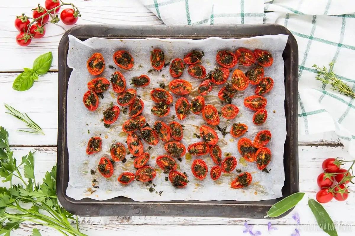 ricetta pomodorini confit