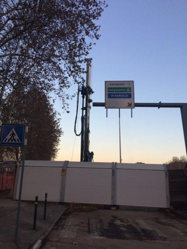 Imbocco della superstrada per Caselle dal controviale di Corso Grosseto nella zona interessata dai lavori