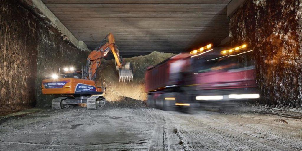 foto-D: Lavori di scavo per la nuova ferrovia