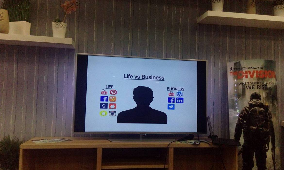 Life vs Business Social Media