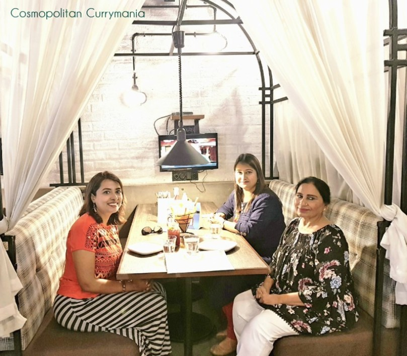 Cafe Delhi Heights review in Lower Parel