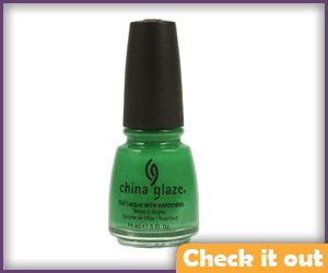Green Nailpolish.
