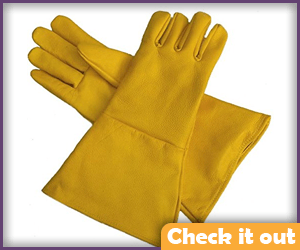 Gauntlet Yellow Gloves.