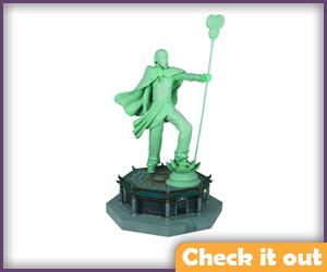 Aang Memorial Statue.