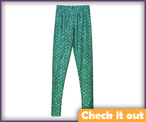 Green Scale Pattern Leggings.