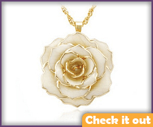 Rose Necklace.