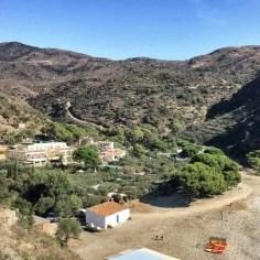 Blick auf die einsame Bucht mit dem Hotel Cala Joncols mitten im Naturschutzgebiet