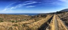 Blick auf Cadaqués von der letzten Anhöhe des Cap de Creus