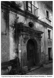 4-badolato-portale-famiglia-bressi-1818