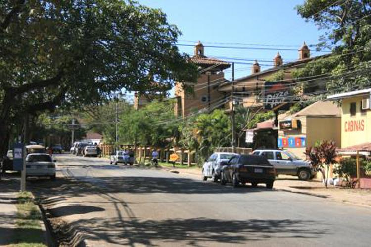 tamarindo-beach-town