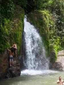costa rica waterfall adventure