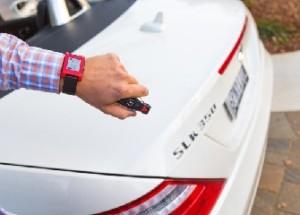 Mercedes-Benz-smart-watch