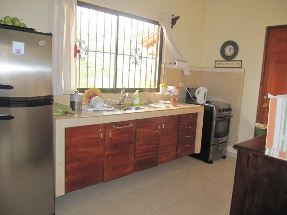 Lovely clean and bright kitchen