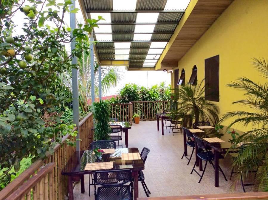 EE4215 - restaurant