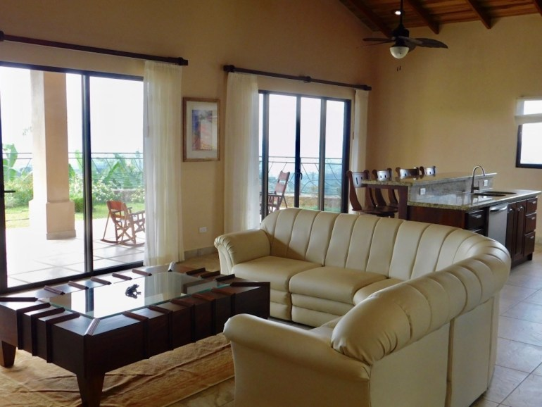 Luxury 3BR/2BA Rental in the Central Valley Mountains