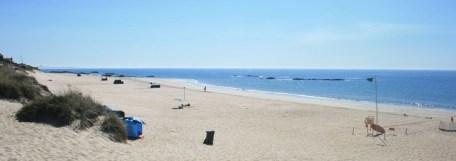Praia-de-Pedrinhas-em-Apulia-300x106 Homem salvo na praia de Apúlia