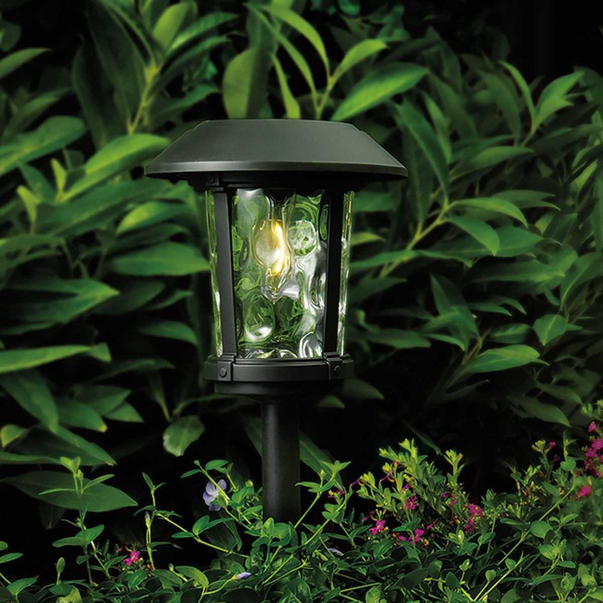 naturally solar vintage style solar pathway lights 8 pack costco uk