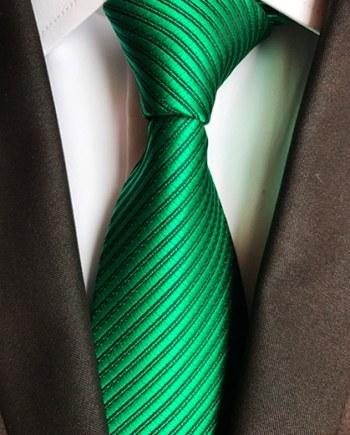 cravate vert intense cérémonie mariage