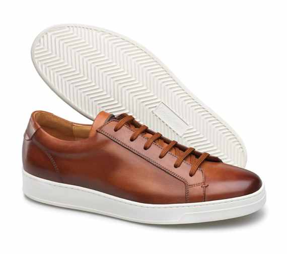 costume et sneakers baskets cuir cognac Carlos Santos