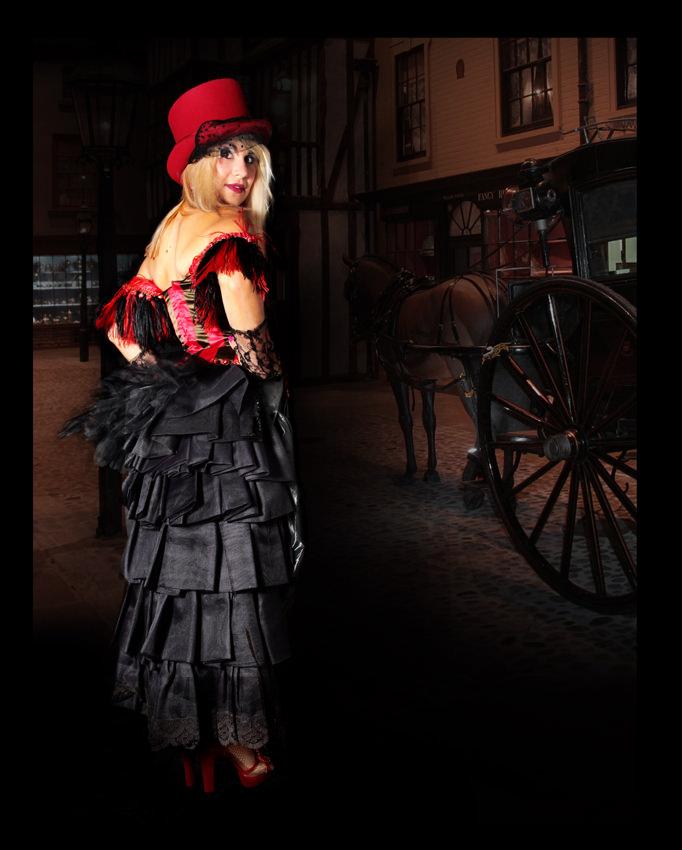 DICKENSIAN BURLESQUE COSTUME W RED TOP HAT
