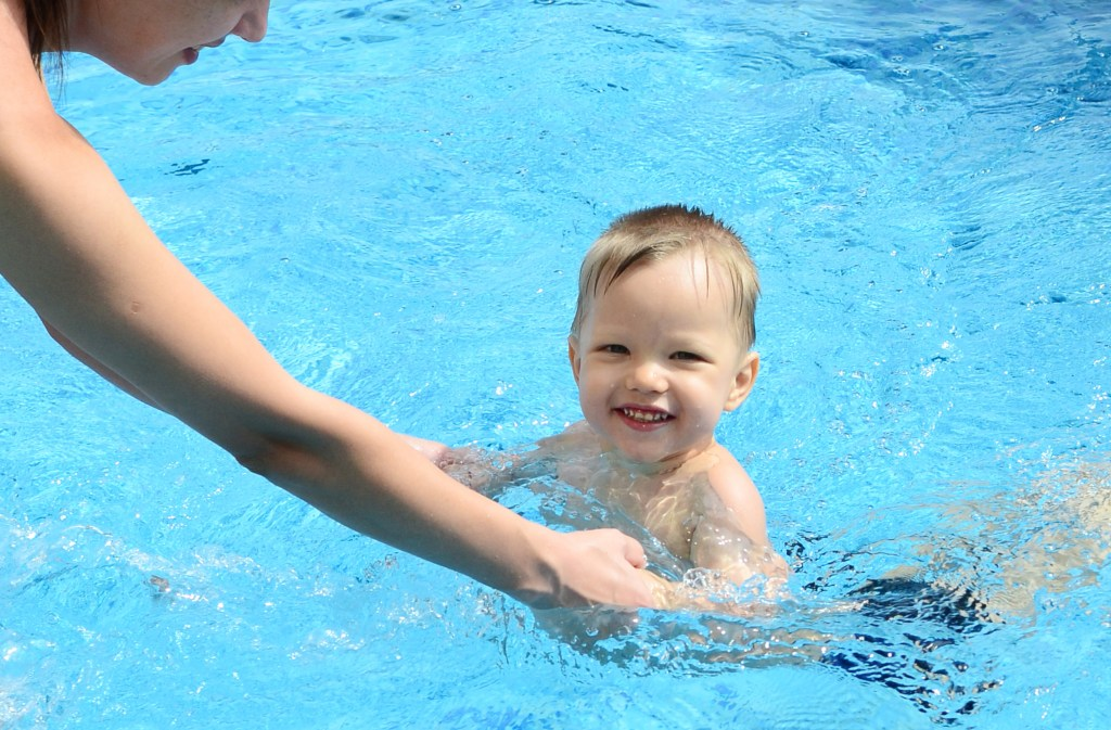 toddler boy swim w mom