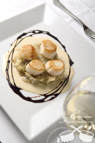Noix de Saint-Jacques poêlées, Éffilochées d'endives et Beurre blanc