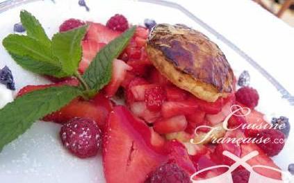 Rosace de fraises et son feuilleté caramélisé