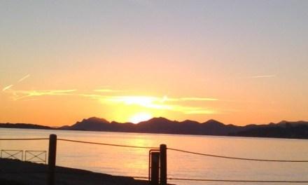 Photo de la semaine : Soleil couchant sur Juan-les-Pins