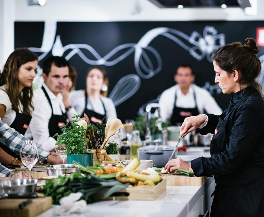 offrez vous un cours de cuisine au miele experience center nice
