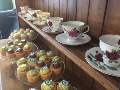 opening-the-tea-set-broadway-cotswolds-concierge (11)