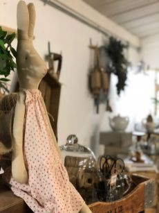 bonds-lifestyle-antiques-cafe-stratford-upon-avon-cotswolds-concierge (16)