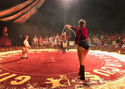 giffords-circus-any-port-in-a-storm-cotswolds-concierge (7)