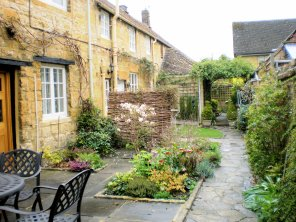 honeypot-cottages-cotswolds-concierge