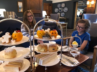 halloween-afternoon-tea-lygon-arms-cotswolds-concierge (17)