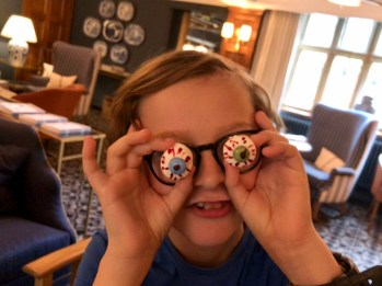 halloween-afternoon-tea-lygon-arms-cotswolds-concierge (22)