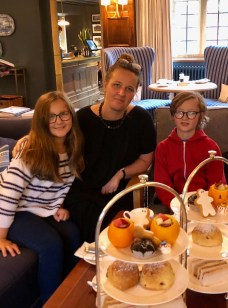 halloween-afternoon-tea-lygon-arms-cotswolds-concierge (4)