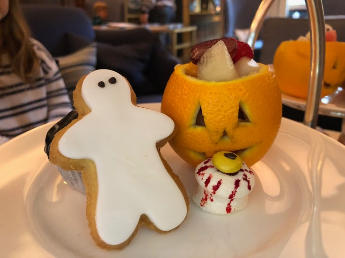 halloween-afternoon-tea-lygon-arms-cotswolds-concierge (6)